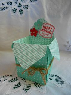 Here is an open style box to make with the new Stampin' Up! Gift Box Punch Board! Visit my blog post here:http://wearestampers.blogspot.com/2014/09/gift-box-...