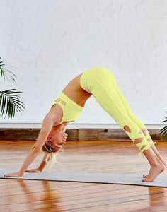 hot-ass-in-pant-yoga-trish-stratus