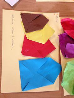 Enveloppen vouwen en serieren. Thema post - groep 1, Diy Paper, Paper Crafts, Origami, Post Office, Lettering, News Media, The Letterman, Factors, School