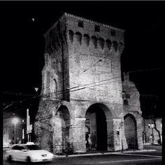 Bologna,  Porta San Felice - grazie per la foto a @carlospinoso