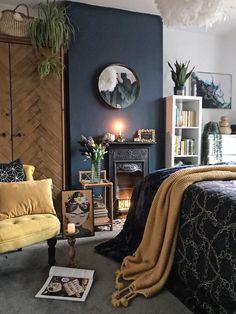 Blue Bedroom Decor, Bedroom Green, Living Room Decor, Bedroom Ideas, Dark Wood Bedroom, Navy Bedroom Walls, Colourful Bedroom, Bedroom Colours, Bedroom Makeovers