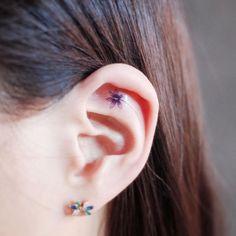 106 Tiny Discreet Tattoos For People Who Love Minimalism By Witty Button - Tattoo - Minimalist Tattoo Toe Tattoos, Body Art Tattoos, Girl Tattoos, Tiny Flower Tattoos, Tiny Tattoos For Girls, Small Tattoos, Simple Tattoo Designs, Half Sleeve Tattoos Designs, Subtle Tattoos