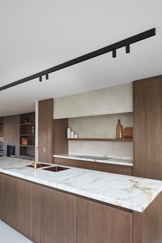 Lispannelaan - Chrisma Modern Kitchen Interiors, Contemporary Kitchen Design, Interior Desing, Interior Decorating, Cocinas Kitchen, Mid Century Modern Kitchen, Kitchen Room Design, Scandinavian Kitchen, Wooden Kitchen