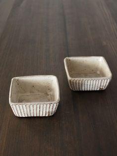 山田雅子さんの鎬角小鉢