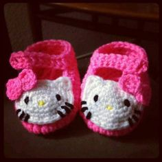 Recipes, DIY, Craft, Gardening, Crochet and Kids activities. Knitting For Kids, Crochet For Kids, Baby Knitting, Hello Kitty Crochet, Hello Kitty Baby, Crochet Baby Booties, Crochet Slippers, Knitting Patterns, Crochet Patterns