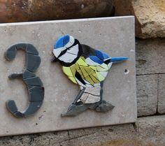 Numéro maison, Plaque maison, mosaique, mésange, oiseau,bleu, jaune,artisanal,personnalisé, boite à lettre,cadeau,crémaillère