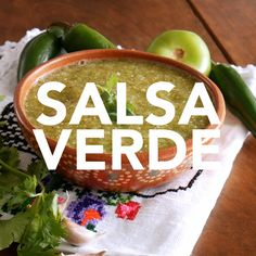 organic recipes for kids Kitchens Mexican Salsa Recipes, Spicy Recipes, Best Salsa Verde Recipe, Easy Homemade Salsa, Homemade Breads, Latin Food, Clean Eating Snacks, Organic Recipes, Cilantro