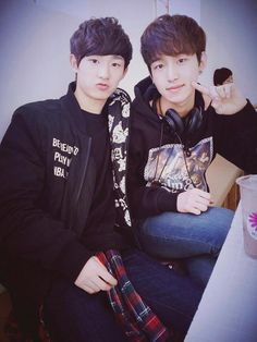 Seunghwan and Milo...the aegyo...it's just always there...