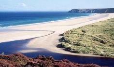 Tolsta Beach, Isle of Lewis - beautiful. Thanks to Johanna Campbell for sharing! Scotland Beach, Scotland Travel, Highlands Scotland, Cool Countries, Countries Of The World, Isle Of Harris, True Homes, Outer Hebrides, Scottish Islands