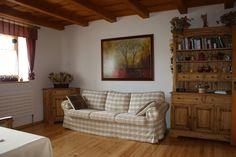 Masivní nábytek do rodinného domu Decor, Furniture, House, Shelves, Home, Corner Bookcase, Couch