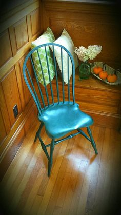 Beautiful Handmade Windsor Hoop Back chair finished with Milk Paint  https://www.etsy.com/listing/209095286/handmade-hoop-back-windsor-chair-with