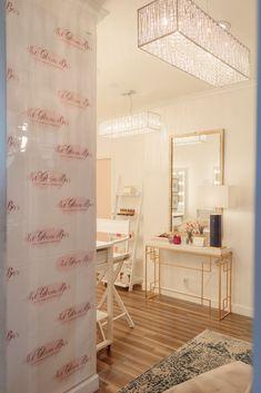 wall selfie beauty makeup salon decor studio weblobi rooms