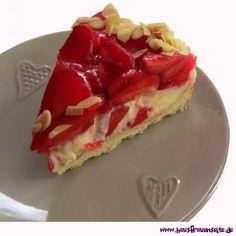 Erdbeerkuchen mit Mürbeteigboden und Vanillecreme unsere Erdbeeren auf Mürbeteig mit Vanillecreme bergen hohe Suchtgefahr vegetarisch