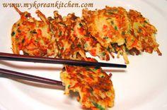 Korean Enoki Mushrooms Pancakes (Paeng-ee Beosut Jeon) - My Korean Kitchen N: SP: MM: Squishy: Enoki Mushroom Recipe, Mushroom Recipes, Vegetarian Recipes, Cooking Recipes, Healthy Recipes, Veggie Recipes, Cooking Time, Yummy Recipes, Healthy Food