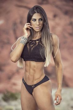 Personal trainer and fitness model Carol Saraiva http://hubpages.com/sports/Female-Fitness-Models-and-Female-Fitness-Competitors-5  #Fitness #FitnessModel