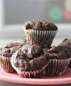 Moist and delicious vegan chocolate muffins - could use chopped dark chocolate as well Best Gluten Free Desserts, Gluten Free Cakes, Dairy Free Recipes, No Bake Desserts, Vegan Desserts, Dessert Recipes, Chocolate Muffins, Vegan Chocolate, Dessert Chocolate