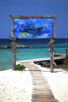 Curacao beach, http://www.travelandtransitions.com/destinations/destination-advice/latin-america-the-caribbean/