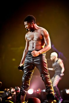 Usher He needs to come back to Toronto so i can go to another one of his concerts! he was amazing last time with Akon!