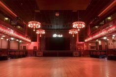 Party Earth's best places for live music in Barcelona!