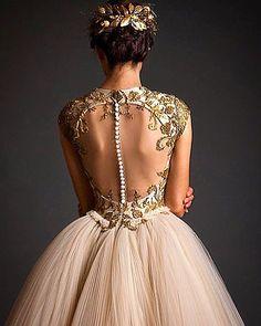 #krikorjabotian #stylish #styleblogger #perfect #moda #dubai #gown #gelin #gowns #gelinlik #gorgeous #instabride #instafashion #fashionblog #fashionista #fashionlover #embroidery #eventdesign #eveningdress #eveninggown #weddingblog #weddinggown #weddinghair #weddingdress #weddingstylist #bride #bridal #beautiful #bridaldress #beautifulbride