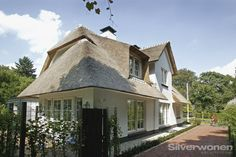 zijgevel overhoeks rietgedekt woonhuis laren architect SILVERwonen