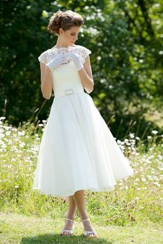 I don't know for a wedding dress but it's gorgeous!