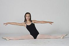 A Straddle Stretch Routine for Learning to Do the Splits: Straddle Reach Daily Stretching Routine, Daily Stretches, Splits Stretches, Back Stretching, Ballet Stretches, Stretch Routine, Stretches To Increase Flexibility, Flexibility Workout, Straddle Stretch