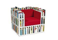 Bibliochaise, la poltrona libreria. Lo studio di design milanese Nobody & Co ha realizzato Bibliochaise, la poltrona libreria. Ideale per gli appassionati di lettura, è disponibile in vari colori. Via ilovemyloft.blogspot.it