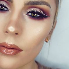 Beautiful look @kikimamamakeup BROWS: #Dipbrow in Taupe and Brow Chocolate in Chocolate EYES: Modern Renaissance palette and #Darkside eyeliner GLOW: Sun Dipped #glowkit LIPS: Toffee lip gloss from the Summer Gloss Set #anastasiabeverlyhills #modernrenaissance