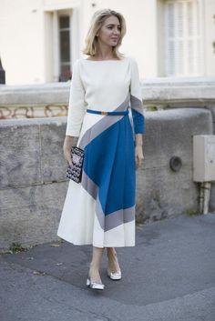 Street style from Paris fashion week spring/summer - Vogue Australia Nyfw Street Style, Street Style Looks, Street Chic, Parisian Chic Style, Preppy Style, Feminine Style, Muslim Fashion, Women's Fashion, Fashion Styles