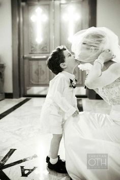 Adorable black and white wedding picture!