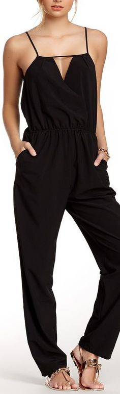 I want to try a black romper ; love this one and live the fact that it's long enough ( goes to ankles ) this might be hard to find with my long legs Casual Black Jumpsuit, Romper Casual, Rompers Dressy, Depeche Mode, Long Romper, Black Romper, Paola Style, Schick, Jumpsuit Dress