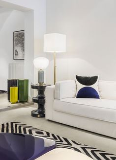 india mahdavi s stools interior pinterest interiores. Black Bedroom Furniture Sets. Home Design Ideas