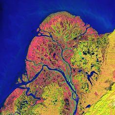"""2° lugar Yukon: La NASA nos presenta una colección de increíbles fotografías de nuestro planeta, tomadas desde satélites, en una colección llamada """"Earth as Art""""( Credit: NASA's Goddard Space Flight Center/USGS)"""