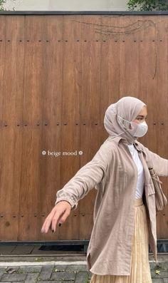 Muslim Women Fashion, Korean Girl Fashion, Ulzzang Fashion, Casual Hijab Outfit, Casual Outfits, Fashion Outfits, Niqab, Hijab Trends, Modesty Fashion