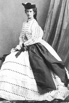 """Elisabeth Amalie Eugenie """"Sissi"""" Bavaria, wife of Emperor Franz Joseph I Austria, by Oscar Kramer in Sissi's dress has French sleeves as well as the enormous bow or sash. Historical Costume, Historical Clothing, 1800s Clothing, Old Photos, Vintage Photos, Victorian Fashion, Vintage Fashion, Empress Sissi, Elisabeth I"""