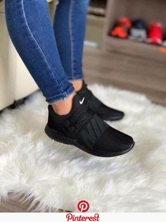 Cute Sneakers Shoes Sneakers Air Max Sneakers Hot Shoes Adidas Sneakers Look Com Tenis Nike Air Vapormax Sneaker Boots Nike Shox Hype Shoes, Women's Shoes, Me Too Shoes, Shoe Boots, Black Shoes Sneakers, All Black Shoes, Ladies Sneakers, Orange Shoes, Shoes Style