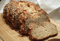 come fare il pane di farro in casa Veggie Dishes, Banana Bread, Buffet, Food And Drink, Veggies, Cooking Recipes, Diet, Desserts, Pane Quotidiano