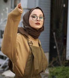 Ideas style korean girl hijab for 2019 – . – Ideas style korean girl hijab for 2019 – . Modern Hijab Fashion, Street Hijab Fashion, Muslim Fashion, Korean Fashion, Fashion Outfits, Fashion Tape, Mature Fashion, Jeans Fashion, Military Fashion