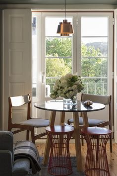 Flattered to be in Tomar Dining Table, Dining Rooms, Interior And Exterior, Windows, Portuguese, Gallery, Apartments, Interiors, Furniture