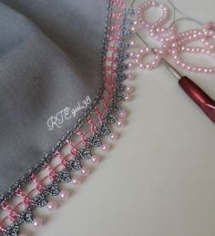 Filet Crochet, Crochet Lace Edging, Crochet Borders, Hand Embroidery Patterns Flowers, Crochet Flower Patterns, Crochet Flowers, Saree Tassels Designs, Saree Kuchu Designs, Knitting Stitches