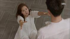 Master's Sun: Episode 4 Funniest scene ever Gong Hyo Jin, Master's Sun, Touch Love, Funny Scenes, Korean Drama, Kdrama, Flower Girl Dresses, Actors, Celebrities