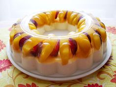 Recipe for Mango Yogurt Peach and Grape Jelly - Whatever your choice, this dessert will always look neat, glossy, and colorful. You might be surprised how little ingredients it requires. Jello Desserts, Jello Recipes, Candy Recipes, Just Desserts, Delicious Desserts, Yummy Food, Jam Recipes, Mango Jelly, Grape Jelly