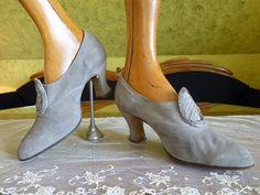 Buckskin Shoes antique shoes antique pumps ca. by MadameFlorence