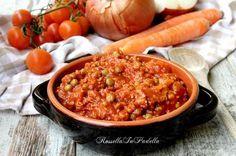 Ragù di carne alla siciliana. Condimento molto saporito ed utilizzato non solo per condire la pasta, ma anche per la rosticceria, o tavola calda.