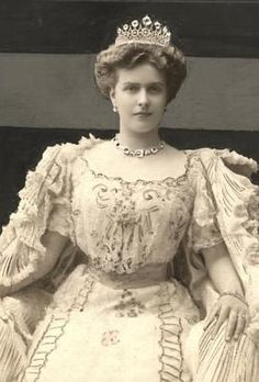 "Princess Victoria Alice Elizabeth Julia Marie (""Alice"") of Battenberg, eldest child of Prince Louis of Battenberg and Princess Victoria of Hesse and by Rhine, married Prince Andrew of Greece, mother of Prince Philip, the Duke of Edinburgh. Princess Victoria, Queen Victoria, Alice Von Battenberg, Prince Phillip, Prince Andrew, Elisabeth Ii, Isabel Ii, English Royalty, Victoria And Albert"