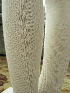 "Thoughts on Some ""Elizabethan"" Stockings Cable Knit Socks, Knitting Socks, Hand Knitting, Garters And Stockings, Knit Stockings, 15th Century Fashion, 18th Century, Stocking Pattern, Renaissance"