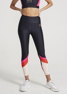 Max Incline Legging Gym Tops, Sporty Look, New Wardrobe, Fashion Colours, Workout Wear, Leggings Fashion, Latest Fashion For Women, Sports Women, Street Wear