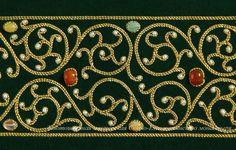 Татьяна Власова Renaissance Garb, Pearl Embroidery, Heart With Wings, Gold Work, Bunt, Fiber Art, Needlework, Embroidery Designs, Pearls