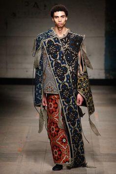 Craig Green Fall 2017 Menswear Fashion Show Green Fashion, Colorful Fashion, Autumn Fashion, London Fashion Week Mens, Best Mens Fashion, Hijab Fashion Inspiration, Style Inspiration, Craig Green, Roman Fashion